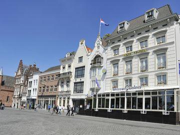 Golden Tulip Hotel Central